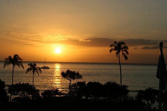 Ka'anapali Beach Club: sunset from balcony