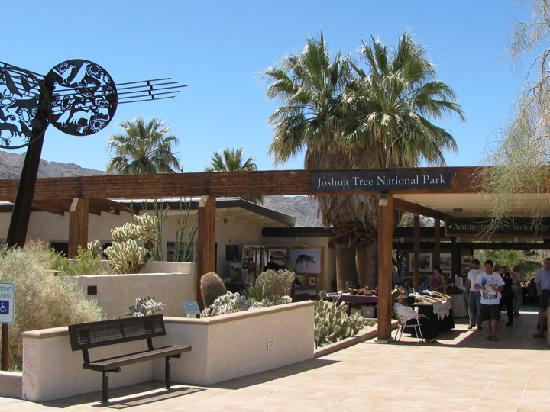 Твентинайн-Палмз, Калифорния: Joshua Tree National Park Headquarters, Twentynine Palms, CA