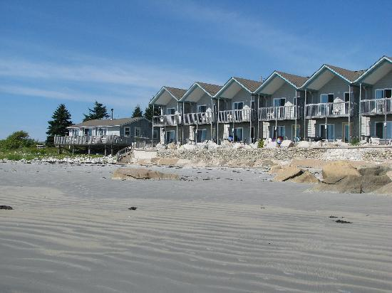 Summerville Centre, Canada: Villas right on the beach