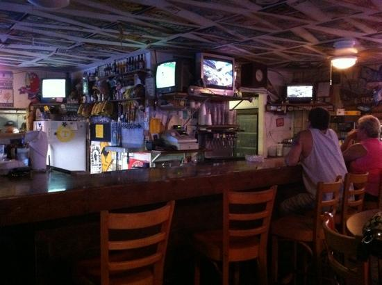 S.S. Wreck & Galley Grill: bar