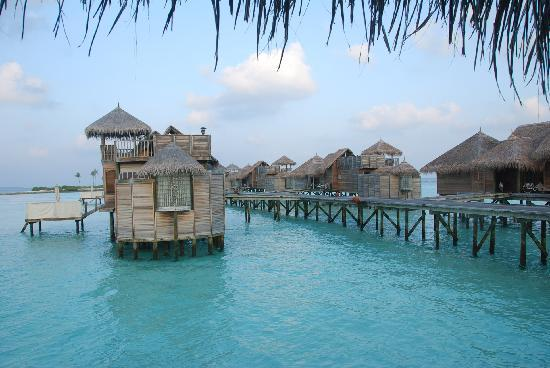 Gili Lankanfushi Maldives: Beautiful setting over the water