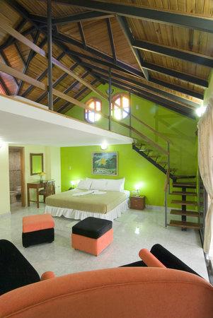 Mon Cricket Hotel