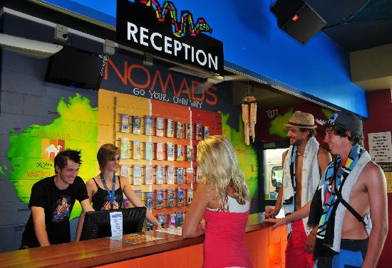 Nomads Cairns Backpackers and Serpent Bar: Reception