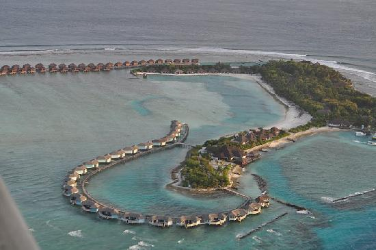 Cinnamon Dhonveli Maldives: Resort from seaplane