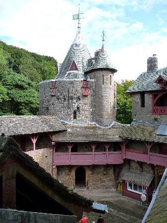 Castell Coch: Courtyard