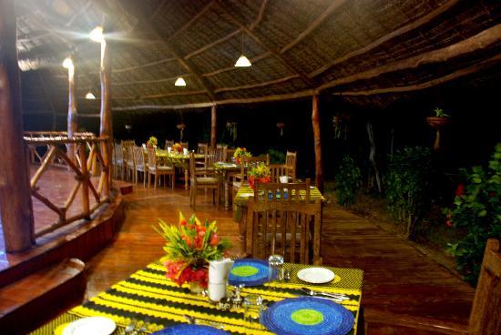 Ras Michamvi Beach Resort: Restaurant