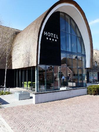 Gang foto van hotel de roode schuur nijkerk tripadvisor for Designhotel de roode schuur