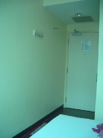 Hotel 81-Bugis: room