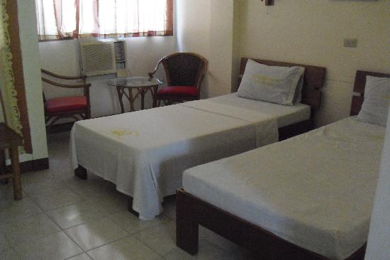 Mindorinne Oriental Beach Resort: Twin room