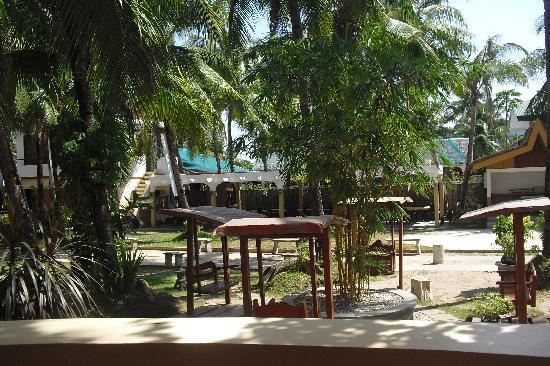 Mindorinne Oriental Beach Resort : Garden
