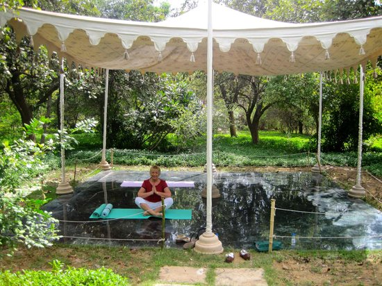 The Oberoi Vanyavilas: The yoga tent in the grounds.