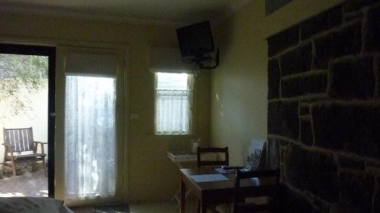 Port Boutique Accommodation: Other side of room