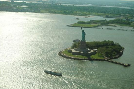 Helicopter Flight Services - Helicopter Tours: Statue of liberty