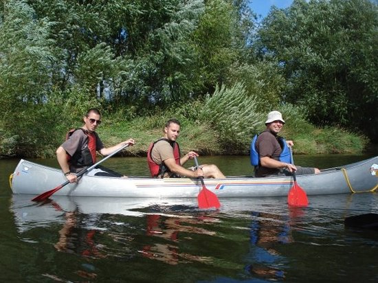 Hereford Canoe Hire: Just a couple of the group