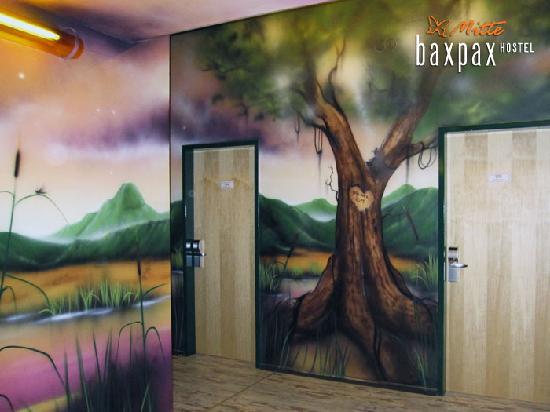 baxpax Mitte Hostel: hallways