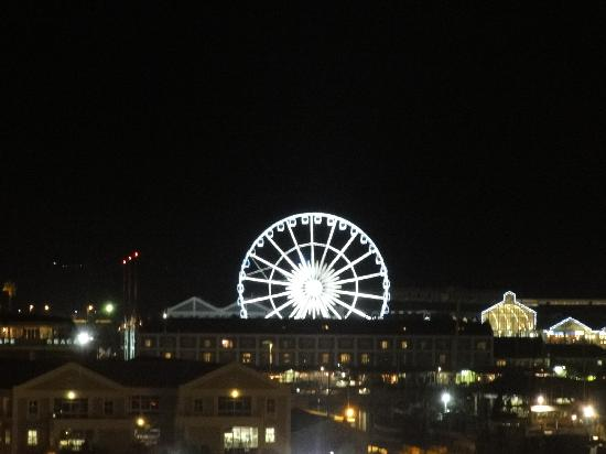 Southern Sun Waterfront Cape Town: The ferris wheel in Waterfront