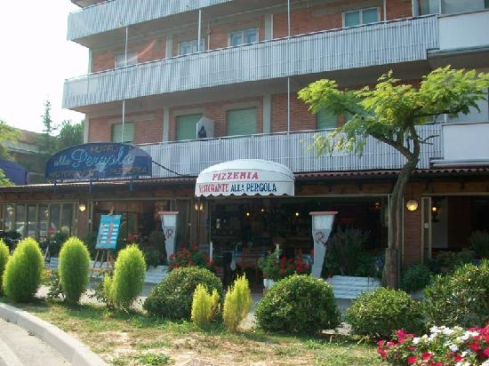 Alla Pergola: Hotel/Ristorante