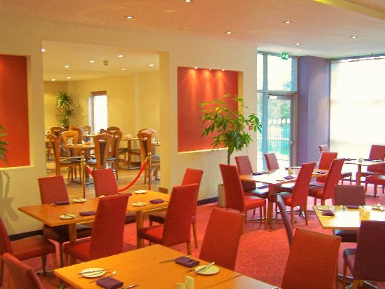 Ramada London North M1 : Restaurant
