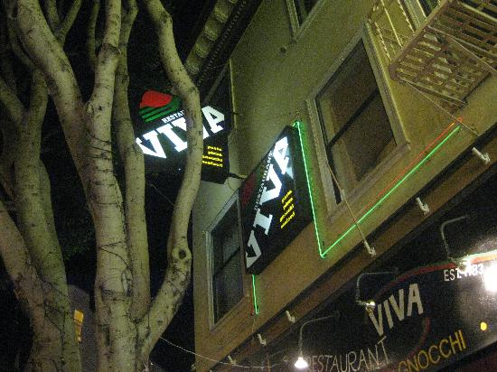 Viva Pizza: exterior