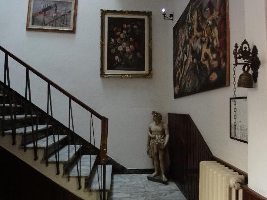 Hotel Il Bargellino: Stairway