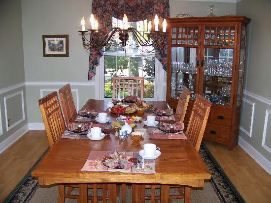 Almar House B&B: Gourmet breakfast served every morning - we cater to all dietary restrictions