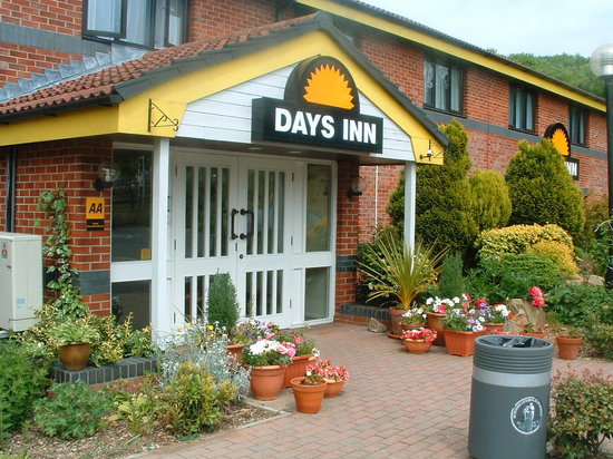 Days Inn Michaelwood M5 : Extenal View