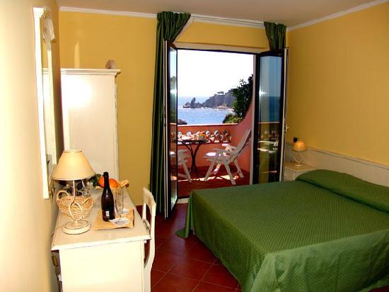 Mendolia Beach Hotel : Foto camera 127