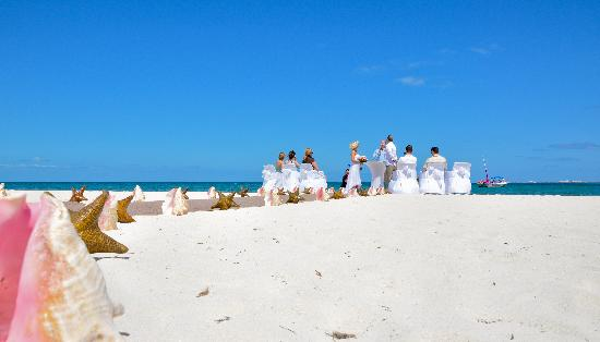 Excellence Playa Mujeres: Beach wedding location