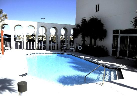 Princess Condo Rentals : Another Gulf Front Pool
