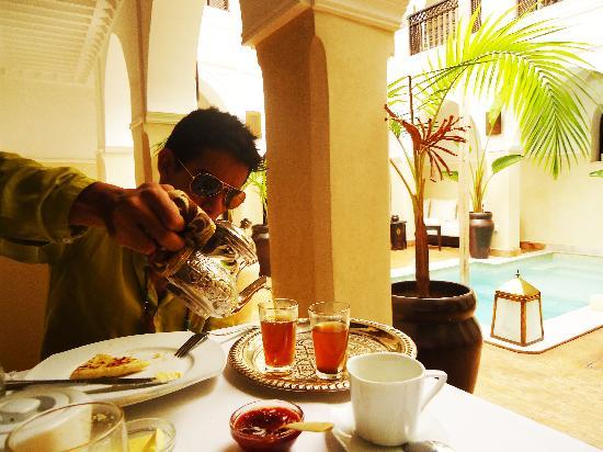 Riad Aliya : Desayunando