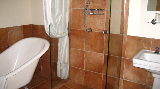 The Canyons B&B : Part of the bathroom