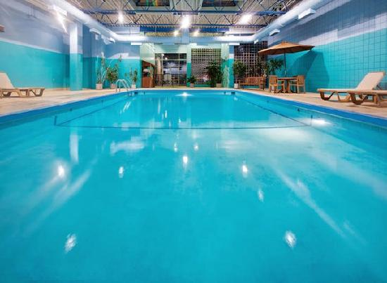 Holiday Inn Des Moines Downtown: Indoor Heated Pool