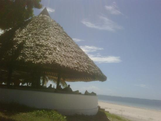 Nyali International Beach Hotel: beach bar