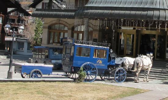 Grand Hotel Zermatterhof: Transfer depuis la gare en caleche