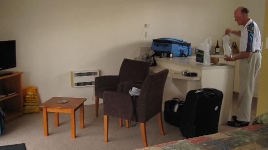 Rainforest Motel: Part of our studio