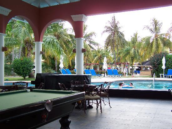 Pool Table Swim Up Bar Picture Of Jewel Dunn S River Beach