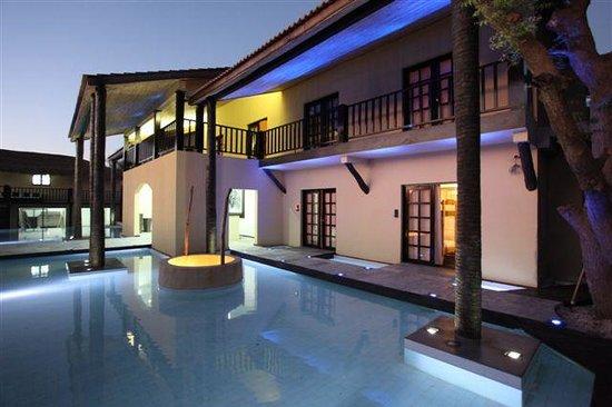 The Rhino Resort Hotel & Spa: Vista Lateral hotel