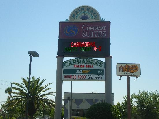 Carrabba's Italian Grill: Sign On The 192