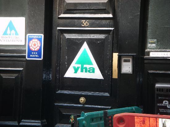 YHA London St Pauls: Door