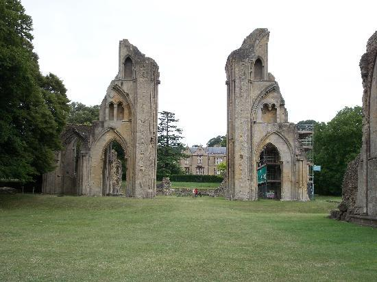 Glastonbury Abbey: Ruins of the main chancel