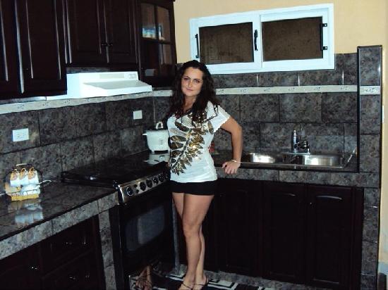 Beny's House: kitchen