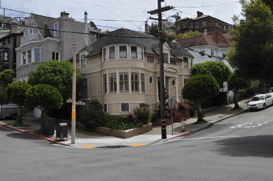 mrs doubtfire house picture of victorian home walk san. Black Bedroom Furniture Sets. Home Design Ideas