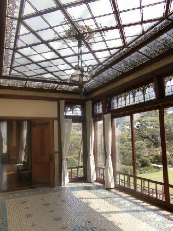Kiunkaku: ステンドグラスの洋館