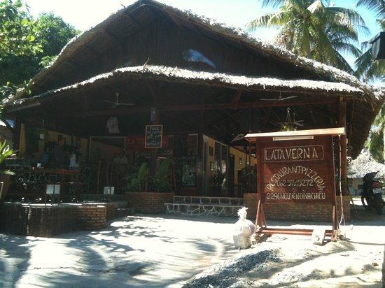 Oliver's Restaurant: front of restaurant