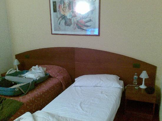 Hotel La Cascata : letti singoli