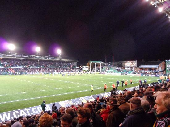 Welford Road Stadium: Respectful fans under the bright lights