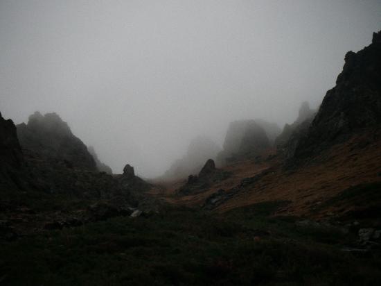Yolyn Am: Yol Valley early in the morning with fog