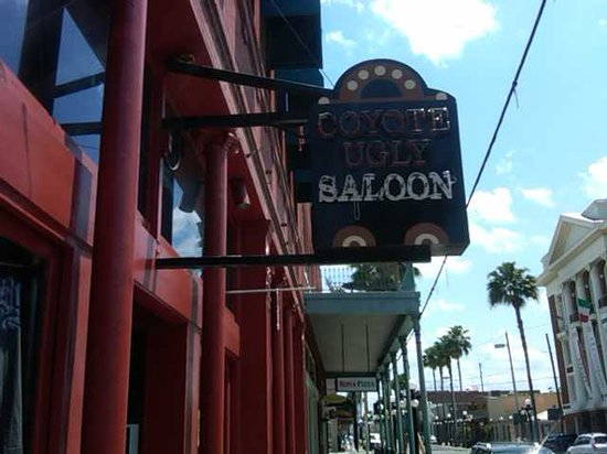 Coyote Ugly Saloon: The Outside