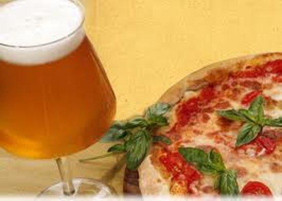 Altamura, Itália: PIZZA E BIRRA NON STOP