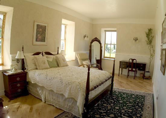 "Torrey Schoolhouse Bed & Breakfast Inn: The ""Arithmetic Room"" (a 2-room suite)"